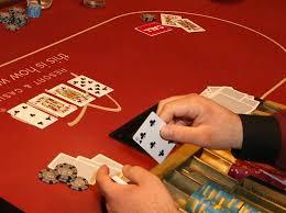 Kelebihan Bermain di Situs Judi 777 Poker Online